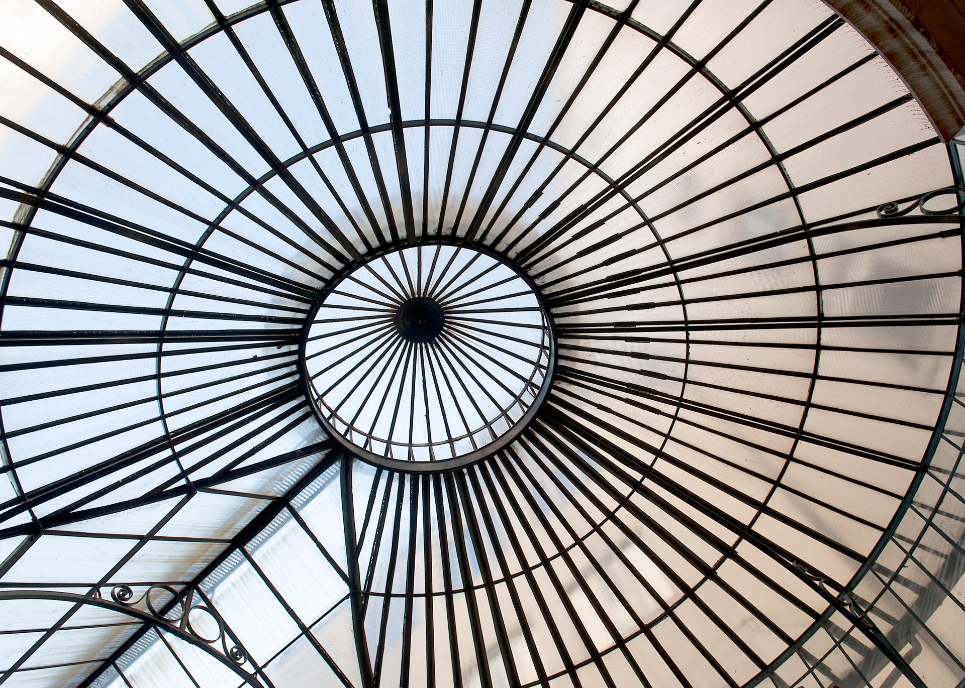 Kuppel Einkaufszentrum in Genf